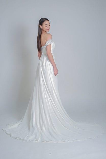 simple wedding dresses online rental