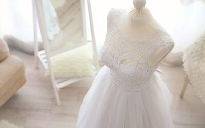 Bridal Shops Singapore: Online Bridal Stores VS Brick-and-Mortar Bridal Studios