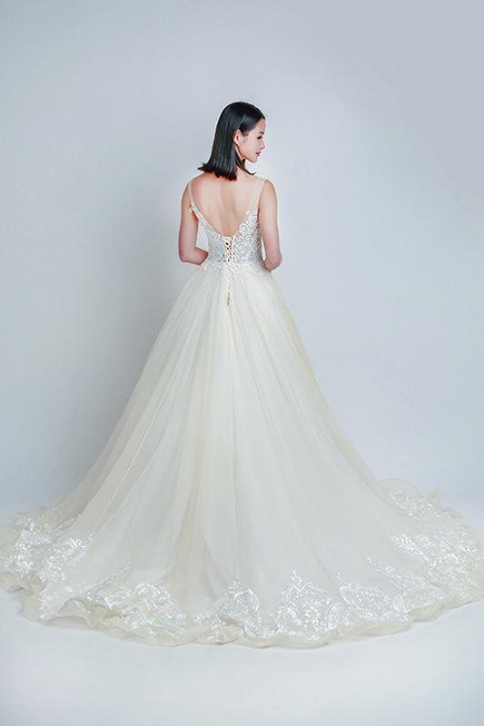 long train wedding gowns Singapore -- Love, Fioyo
